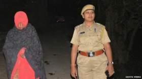 قرية هندية تعاقب النساء بالطواف بهن عاريات على ظهر الحمير