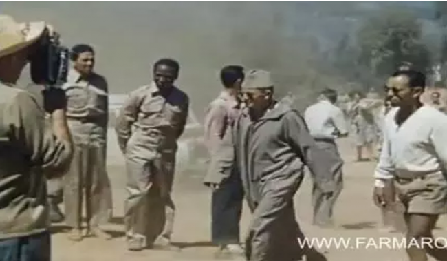 """فيديو نادر .. الحسن الثاني ب """"الشورت"""" رفقة أوفقير والمهدي بنبركة"""