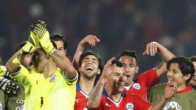 """ثنائية فارغاس تقود تشيلي إلى نهائي """"كوبا أميركا"""" على حساب بيرو"""