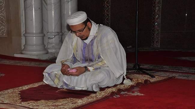 """القزابري لـ """"الأيام24 """" : لا أفهم سوى في القرآن والمحراب ولا معجبات يطلبنني للزواج"""