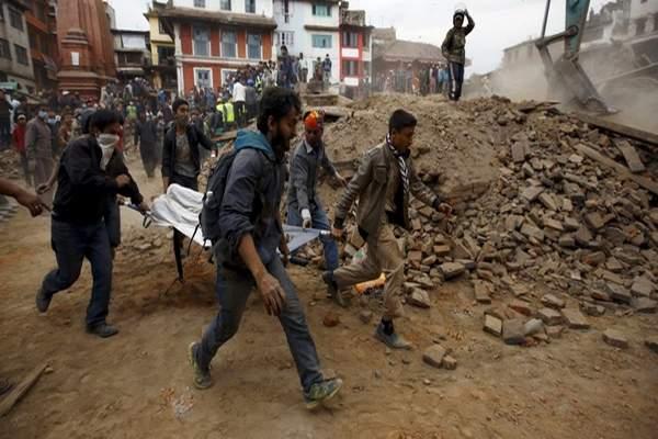 مقتل أكثر من 200 في زلزال قوي ضرب أفغانستان وباكستان