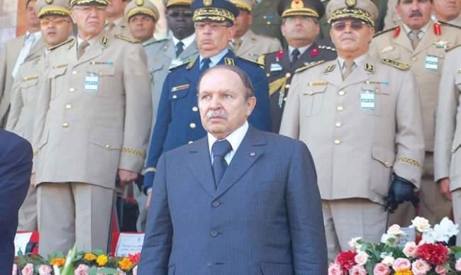 بوتفليقة يصدر مرسوما لتعزيز الأمن حول مقر إقامته خوفا من انقلاب عسكري محتمل