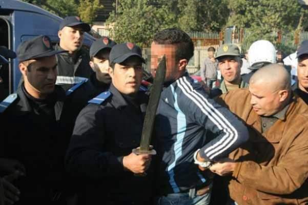 أمن مراكش يعتقل شخصا خطيرا تسبب في وفاة شاب وتهديد مواطنين بالسلاح الأبيض