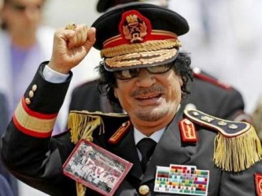 في خيمة القذافي.. رفاق العقيد يكشفون خبايا عهده