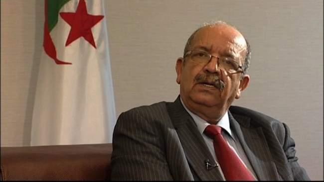 """وزير جزائري يجدد دعم بلاده للـ""""بوليساريو"""" بعد القرار الأممي حول الصحراء"""