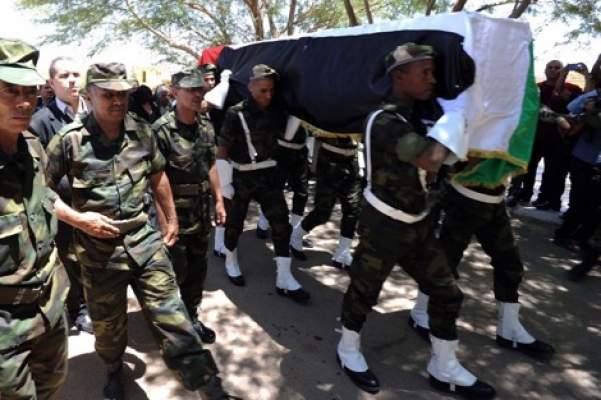 """دفن جثمان زعيم """"البوليساريو"""" بمنطقة البئر لحلو المغربية (+ صور)"""
