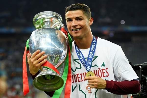 للمرة الثانية في مسيرته.. البرتغالي رونالدو أفضل لاعب في أوروبا