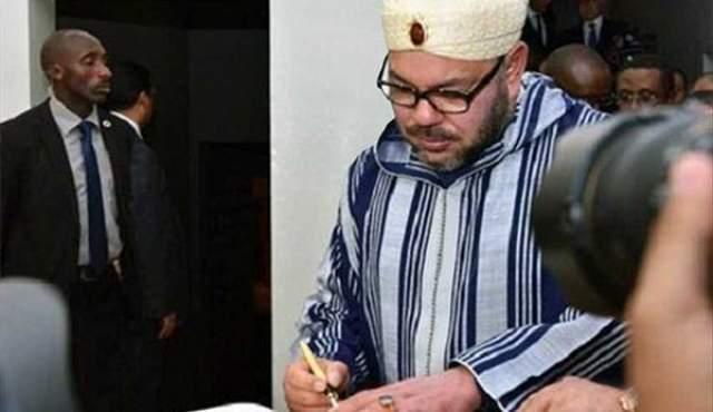 خط الملك محمد السادس يثير دهشة المتابعين العرب والمغاربة