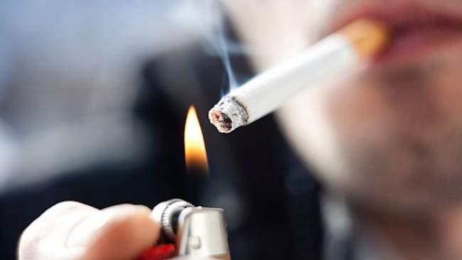 """أقوال الصحف: 7 ملايين مدخن مغربي مهددون ب""""الموت المبكر"""""""