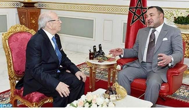 """رئيس تونس يصف محمد السادس بـ""""المعاصر"""" في كتابه الجديد"""