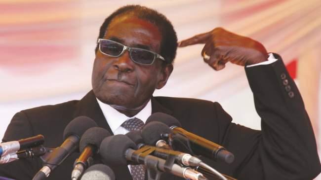 الرئيس موغابي يعاقب مثليين بطريقة غريبة !