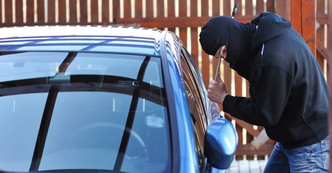 الرباط .. توقيف ثلاثة أشخاص مرتبطين بشبكة إجرامية لسرقة السيارات