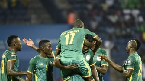 السنغال تهزم زمبابوي وتتأهل أولا إلى دور الثمانية (فيديو)