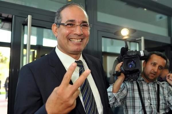 هل يُعوّض الزاكي لينكز على رأس المنتخب الجزائري؟