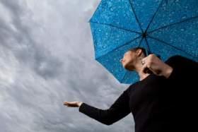 طقس الخميس: غائم مع نزول زخات مطرية بهذه المناطق من المملكة