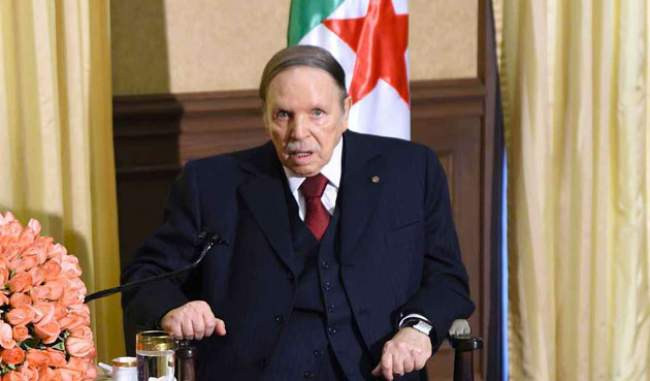 جزائريون : هل مات الرئيس بوتفليقة؟