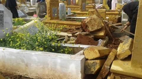الأمطار العاصفية تتلف عشرات القبور بمقبرة سيدي بلعباس بسلا