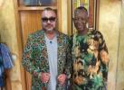 صورة.. الملك في ضيافة أشهر مصمم أزياء بإفريقيا