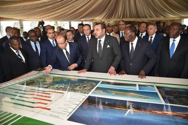 الملك والرئيس الإيفواري يطلعان على سير الأشغال في مشروع تهيئة خليج كوكودي