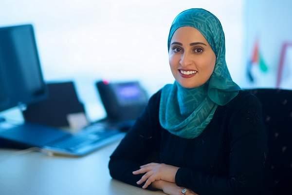 ما هي الأعمال التي تقوم بها وزيرة السعادة الإماراتية؟