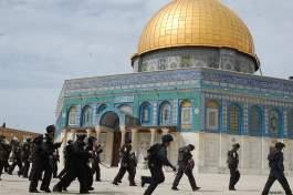 عشرات المستوطنين يقتحمون المسجد الأقصى المبارك