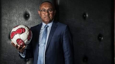 """رئيس الـ""""كاف"""" يحل بالمغرب لمتابعة مباراة المغرب وتونس"""