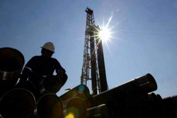 صحف السبت: تراجع في احتياطات المغرب من المواد البترولية