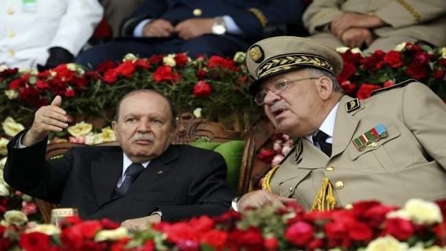 قايد صالح يدعو أفراد الجيش الجزائري للتصويت في الانتخابات