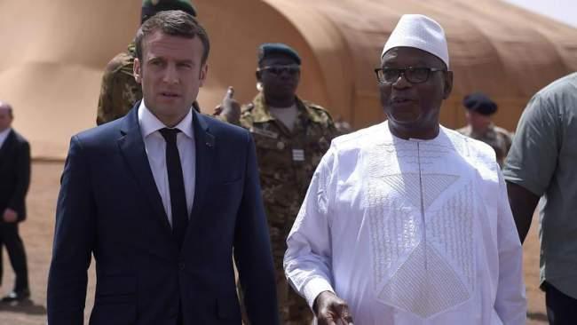 ماكرون يزور مالي ليثبت التزامه بمكافحة الإرهاب