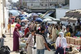 صحف السبت: المغاربة تعساء في عملهم ويعانون التوتر والضغط