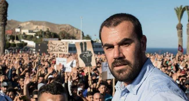 الزفزافي ورفاقه المعتقلين يتصلون بعائلاتهم من داخل السجن