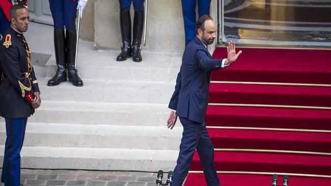 رئيس الوزراء الفرنسي يقدم استقالة حكومته بعد إعلان نتائج الانتخابات التشريعية