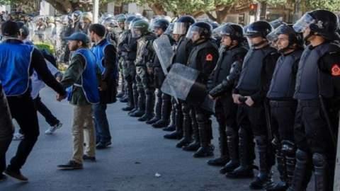 قبل المسيرة الموحدة بساعات.. الأمن يمنع نشطاء من الدخول إلى الحسيمة
