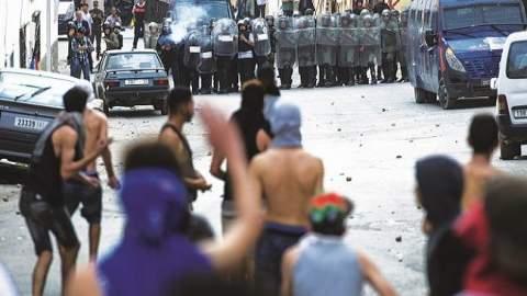 """الأمن يخلي سبيل معتقلي """"مسيرة العيد"""" ويحيل ملفات آخرين على وكيل الملك"""