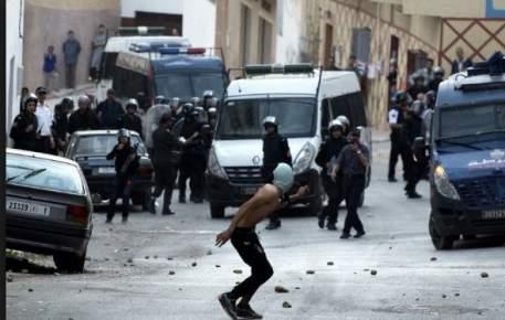 تدخلات الأمن يوم العيد في الحسيمة تجر وزير الداخلية إلى المساءلة بالبرلمان