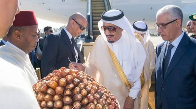 عطلة ملك السعودية في المغرب..قصور وسيارات فارهة ومئات الغرف الفندقية