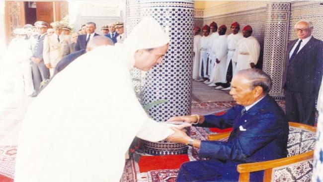 """الإعلامي الصديق معنينو يكشف لــ""""الأيام 24"""" كواليس ليلة وفاة الحسن الثاني !"""