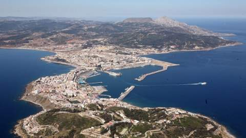 إسبانيا تفتح المعبر الحدودي لسبتة في وجه المغاربة