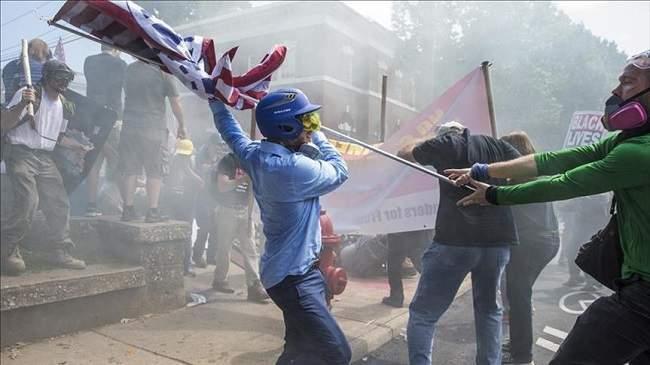 شبح حرب أهلية ثانية يطل على الولايات المتحدة