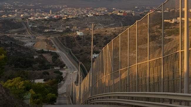 إسبانيا تخطط لإعادة هيكلة حدودها مع المغرب بشكل شامل