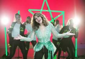 سميرة سعيد تشجع وتدعم المنتخب الوطني المغربي ...الفيديو