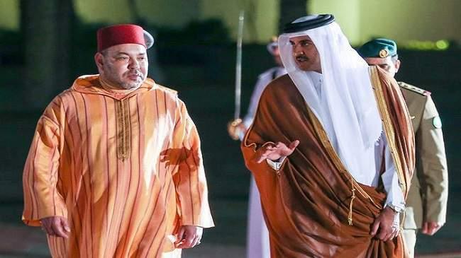 مستشار ملكي يكشف حقيقة صورة محمد السادس المثيرة الجدل في قطر