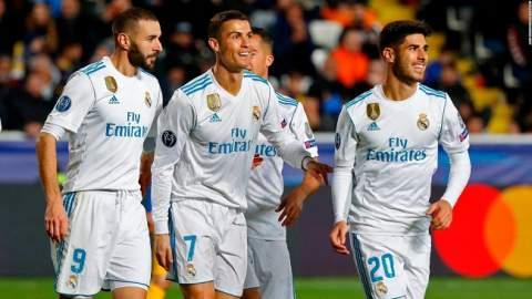 ريال مدريد أول فريق يحتفظ بلقب كأس العالم للأندية بعد فوز سهل على جريميو
