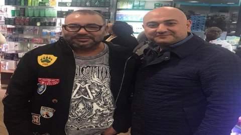 رئيس حزب سوري يفاجئ الجميع بعد لقائه بالملك محمد السادس في الصيدلية
