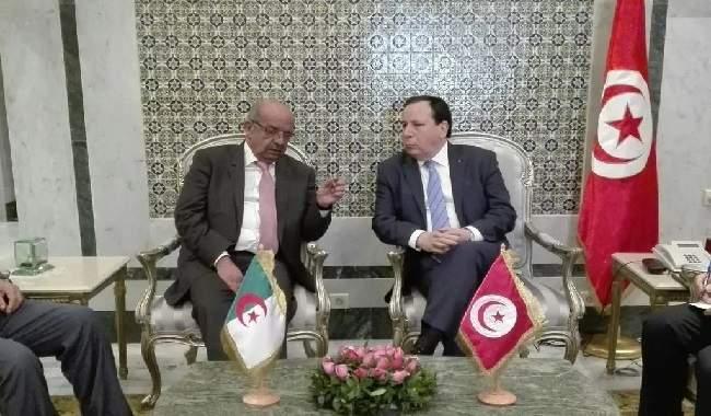 مساهل يحذر المغرب مجددا