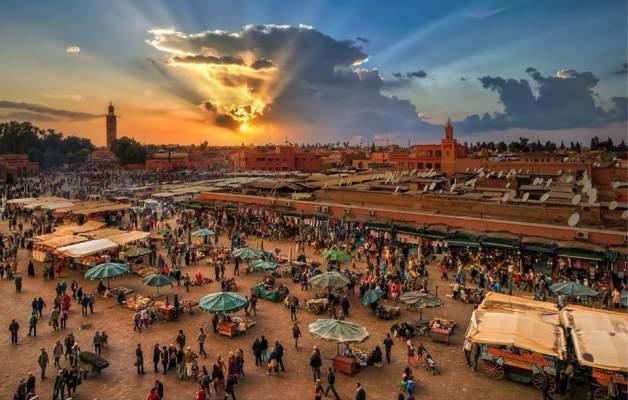 """رؤساء وفنانون ونجوم الكرة قضوا """"البوناني"""" في مراكش"""
