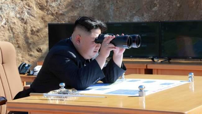 كيم جون يفاجئ العالم في أول يوم من 2018 .. زر إطلاق السلاح النووي جاهز على مكتبي