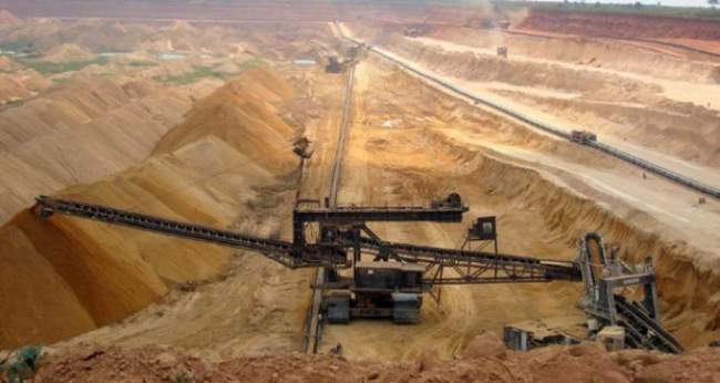 إيران تتجه لاستيراد الفوسفات الجزائري