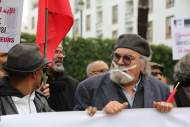 سابقة فنانون يحتجون على رداءة التلفزيون أمام البرلمان !