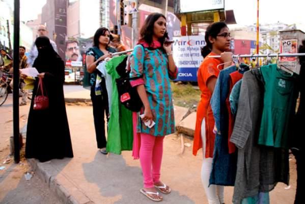 ملابس داخلية للنساء بها كاميرا وجهاز إنذار وGPS ! .. لن تُخلع إلا بكلمة المرور الصحيحة +(فيديو)